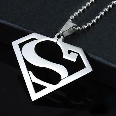 459e19bb2 Prívesok Superman z chirurgickej Ocele (KPR068) - Galante.sk